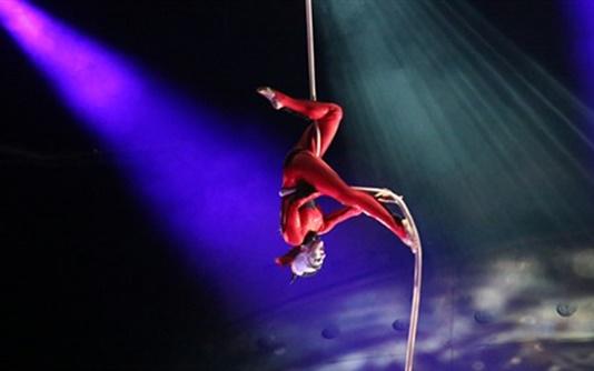 cirque-button-A-640_498x280.jpg